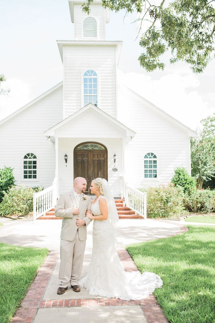 A Classic Country Wedding At Ashelynn Manor In Magnolia Texas