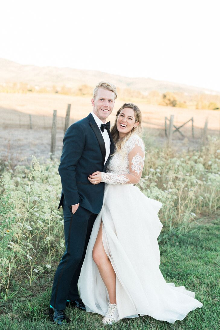 "Kaitlyn Van Elslander and Josh Ridener's love for food and the scenery brought them to Napa Valley for a romantic outdoor wedding. ""We knew that we wa"