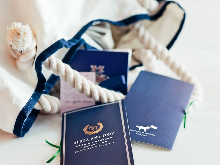 Destination wedding welcome bag with rope handles