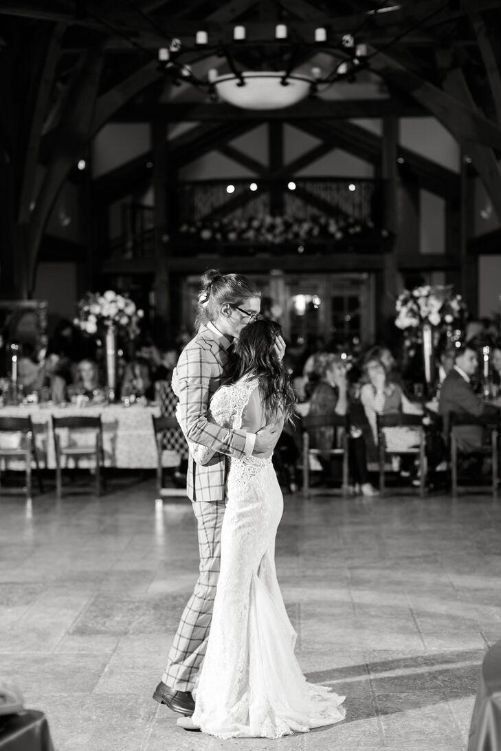 Classic Barn First Dance