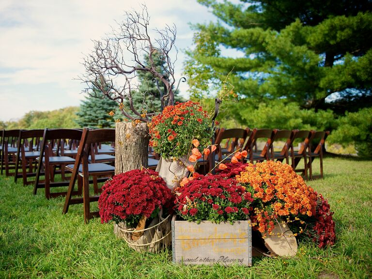 Autum colored chrysanthemum ceremony aisle decor