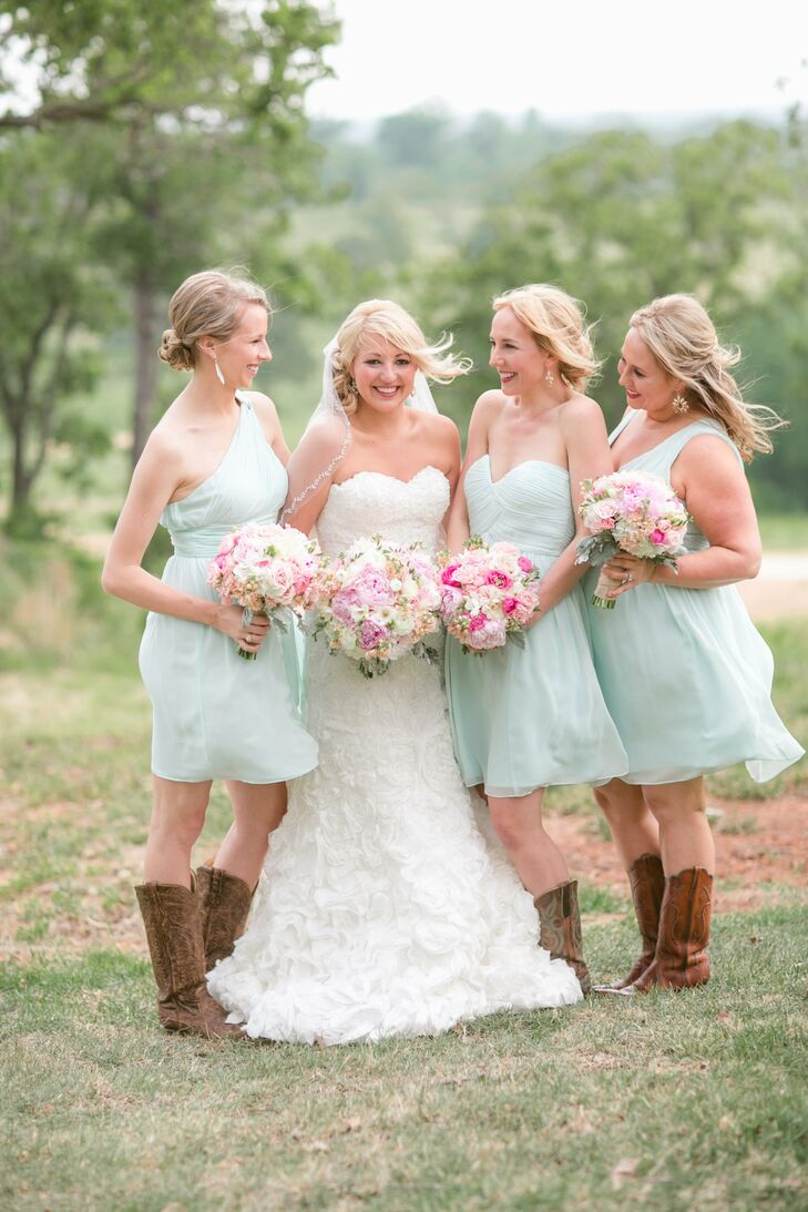 Milly let her bridesmaids chose the style of their dusty blue dresses.