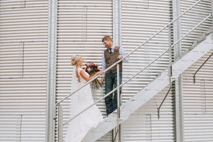 Native Nebraskans Miranda Driewer and Gabe Dietrich pulled off a farm-chic fete with a hint of bohemian flair for their summer wedding at Babel's Barn
