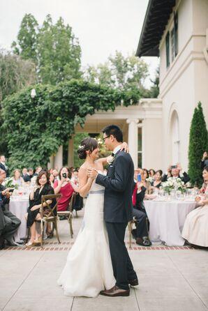 First Dance at Modern Garden Wedding