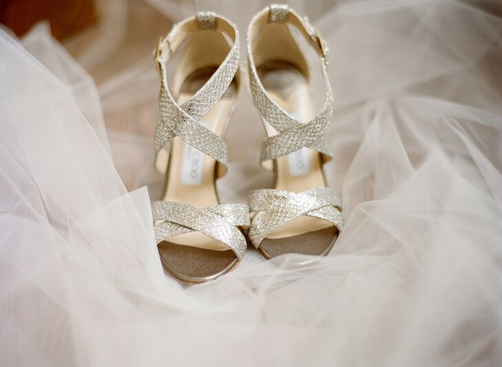 Teddy gave Katie a pair of Jimmy Choo gold heels to wear at the wedding.
