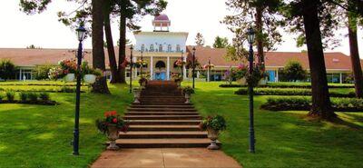 The Four Seasons Island Resort