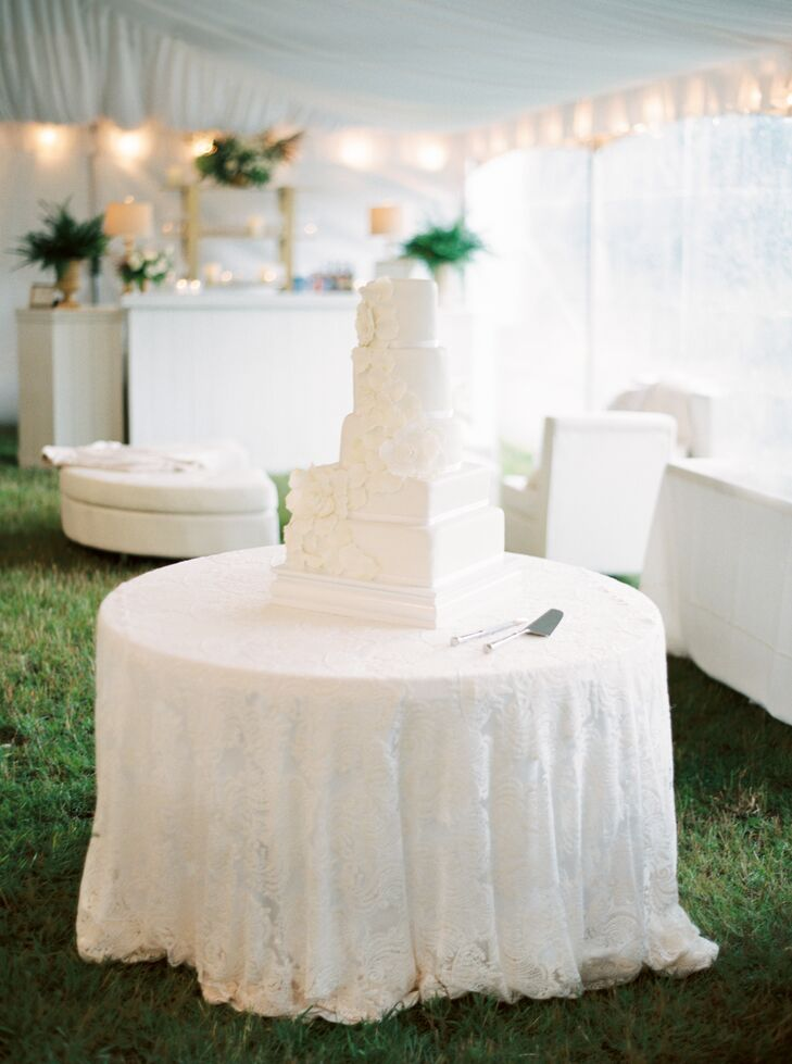 Brandon and Morgan offered three flavors of cake to their guests: champagne, red velvet and white almond.
