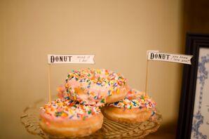 Black-and-White DIY Doughnut Signs