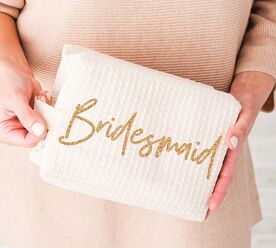 cyber-monday-bridesmaid-gifts