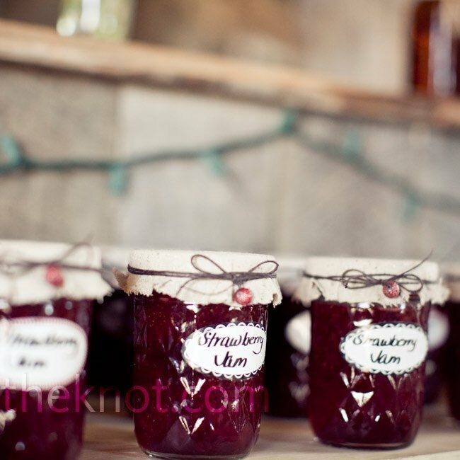 Holly and her mom canned homemade strawberry, peach and cherry jam for guests to take home.