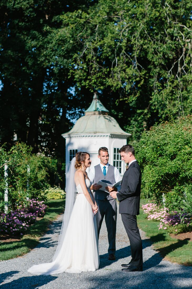Simple Linden Place Garden Ceremony