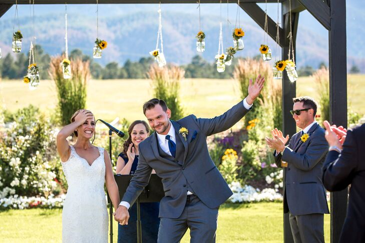 From the custom invitations and bridesmaid bouquets to the wedding arbor and wedding favors, Kerry Dickman (