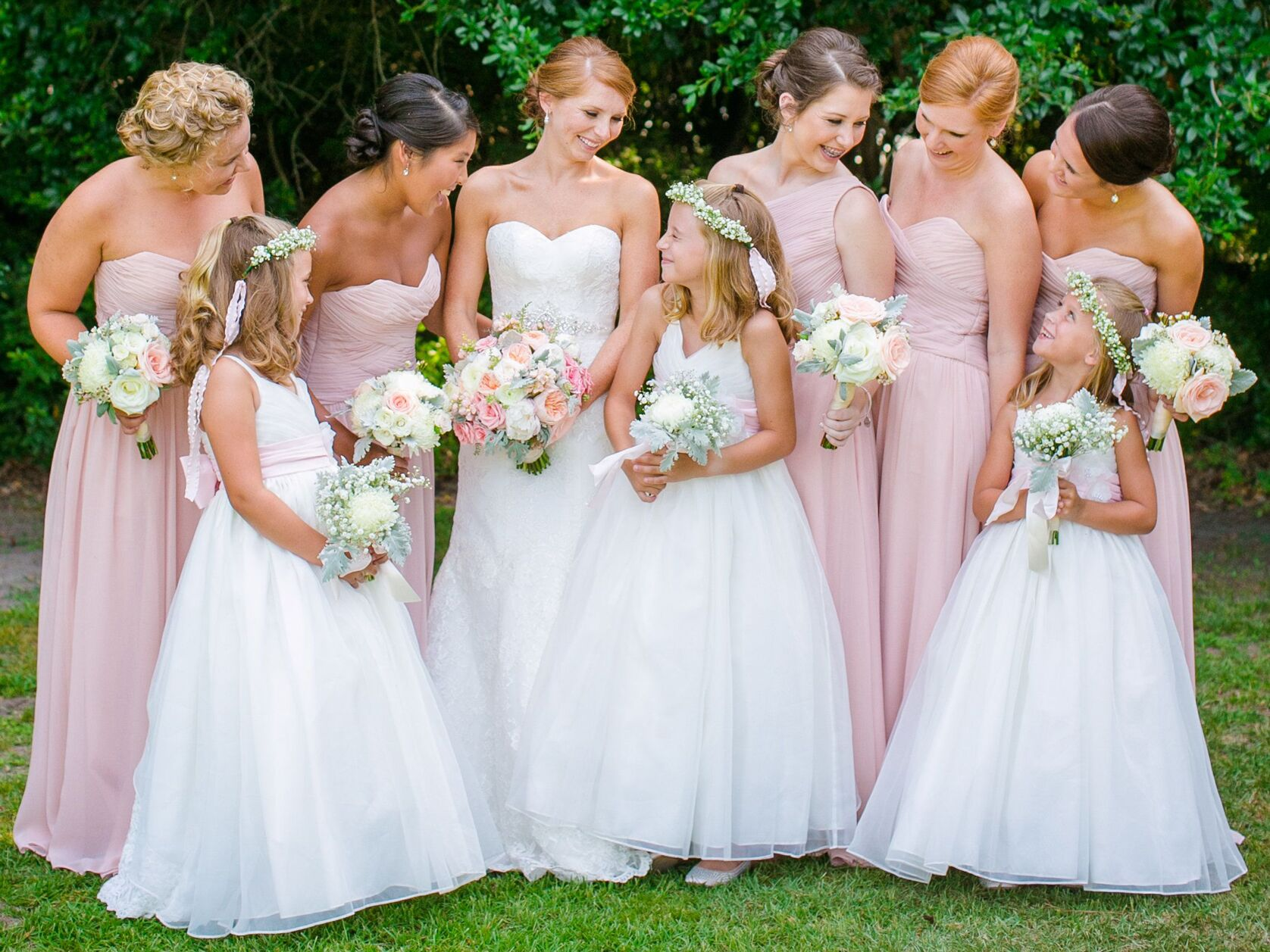 6 Junior Bridesmaid Wedding Duties in