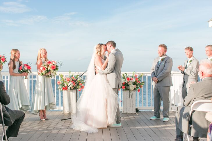 Waterfront First Kiss at Avalon Yacht Club in New Jersey