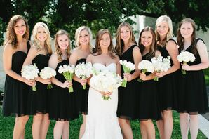 Short Black Bridesmaid Dresses With White Bouquets