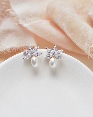 Dareth Colburn Naomi Freshwater Pearl Stud Earrings (JE-4153) Wedding Earring photo