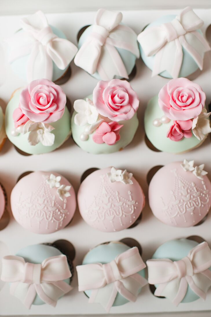 As favors, Erin and Reno gave their guests gorgeously decorated macarons as a nod to their Eiffel Tower proposal story.