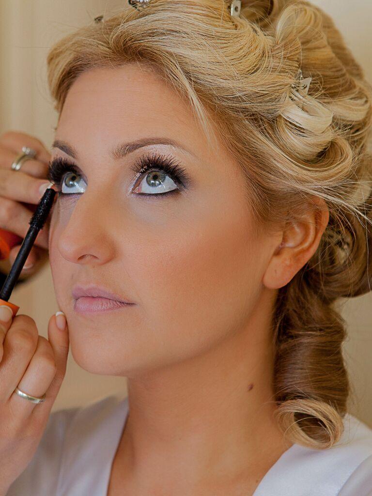 wedding eye makeup blue eyes icy blue eyeshadow