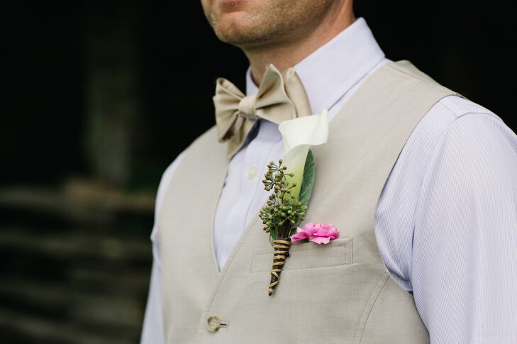White Calla Lily Boutonniere with Twine Wrap