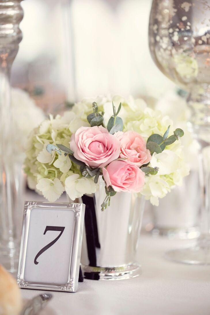 The Reception Featured A Mix Of Tall And Short Fl Centerpieces Made Up Pink