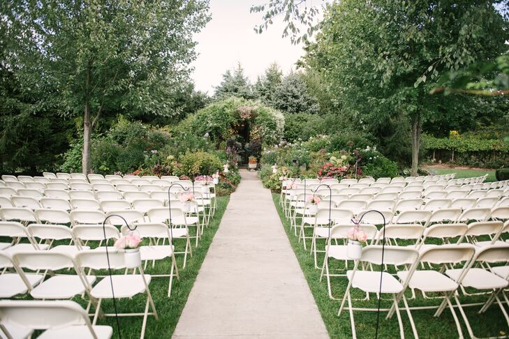 The ceremony took place in the gardens at Southern Exposure Herb Farm in Battle Creek, Michigan.