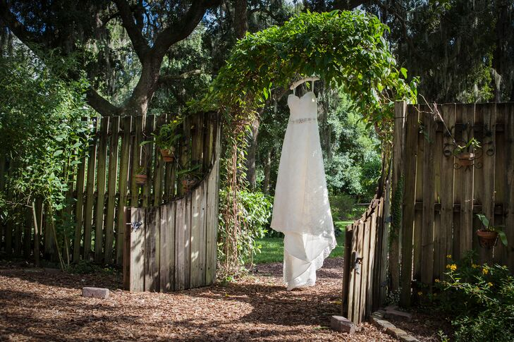 Ivory Lace Wedding Dress with Sweetheart Neckline