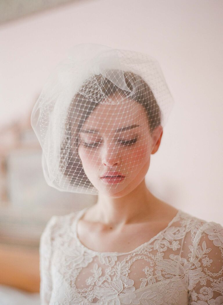 8d7f6fadb713f 16 Wedding Veil Style Ideas You ll Love