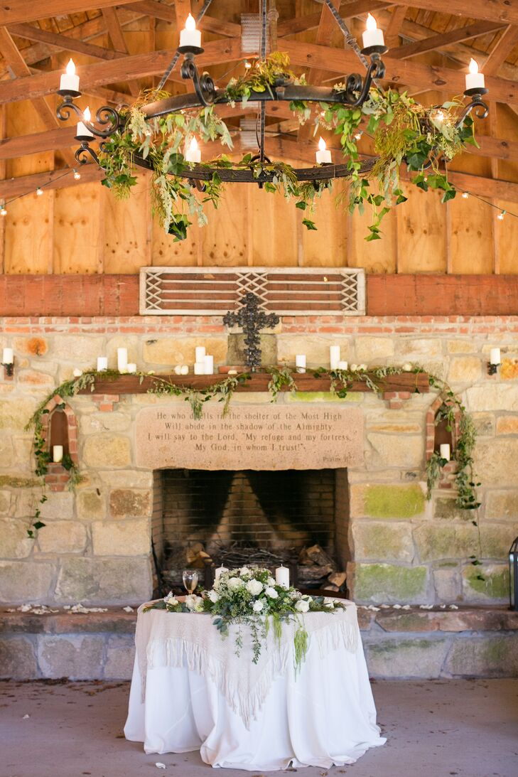Rustic Reception at The Pavilion at Grave Haven