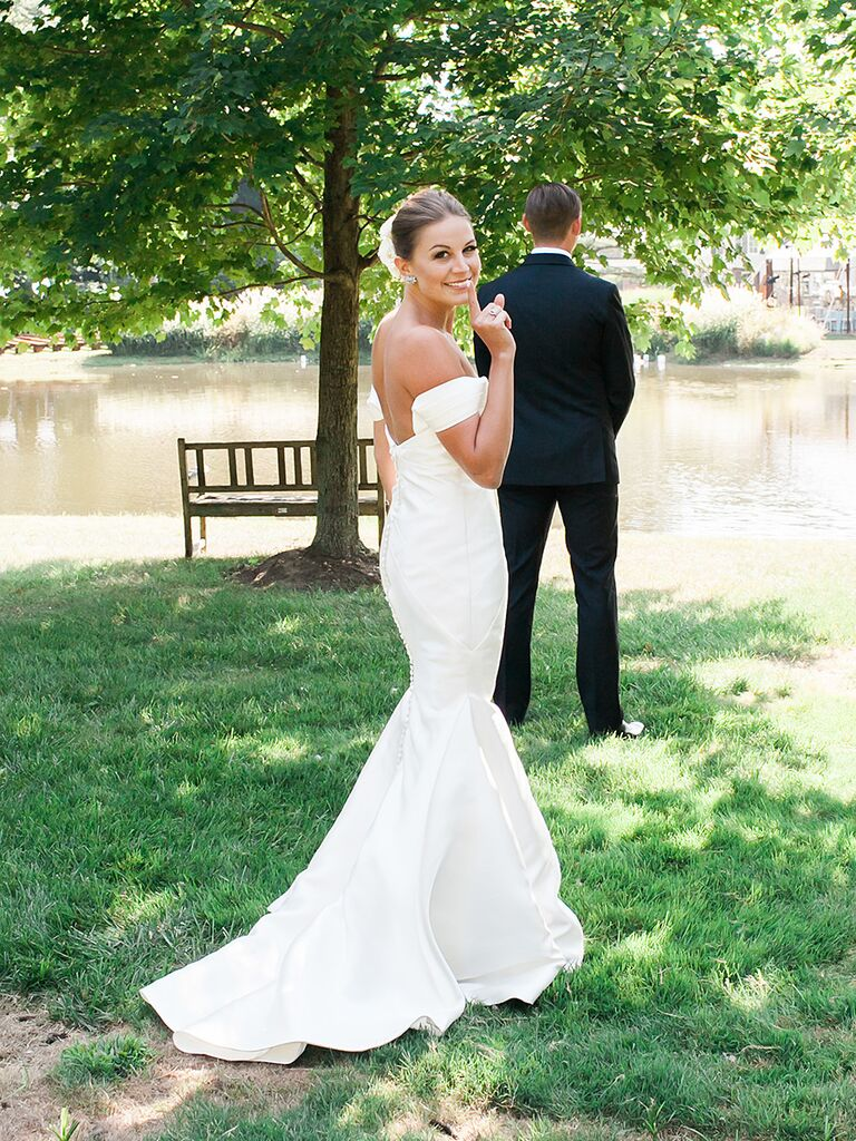 15 Gorgeous Off-the-Shoulder Wedding Dresses
