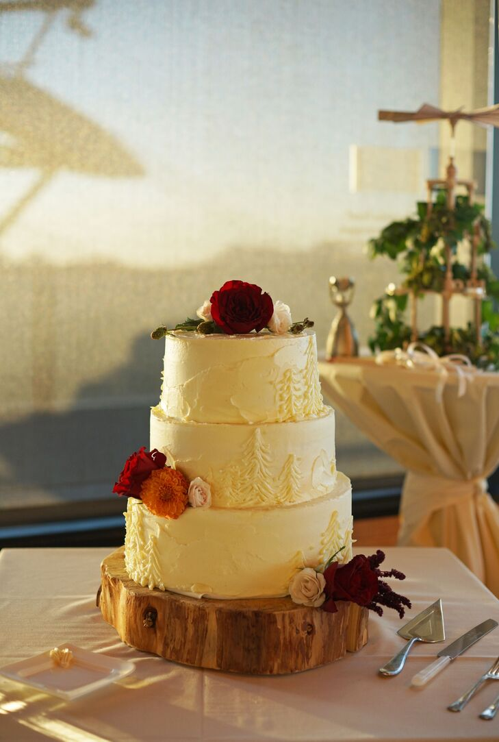 Tiered Outdoorsy Cake on Wood Cake Stand
