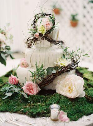 Garden-Inspired Tiered Wedding Cake with Vines