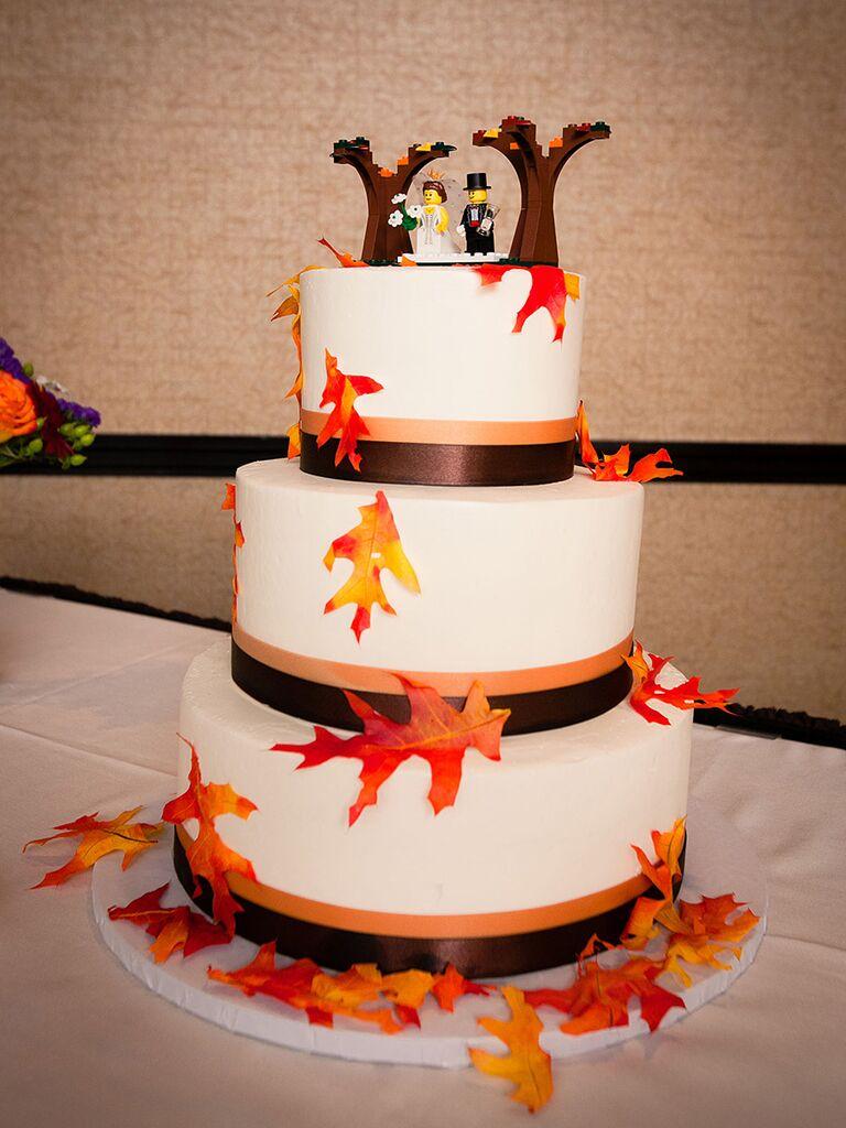 Fall leaf decorated wedding cake
