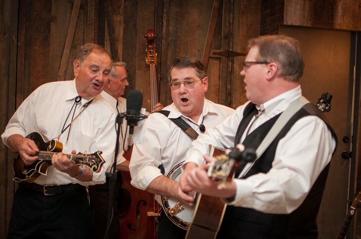 During cocktail hour, a bluegrass band called Bull Run Grass provided live music.