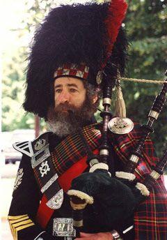 Pipe Major Jonathan Henken - Mount Kisco Scottish Pipes & Drums