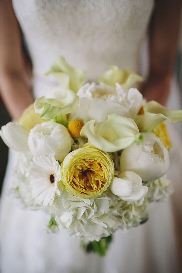 Yellow and White Spring Bouquet