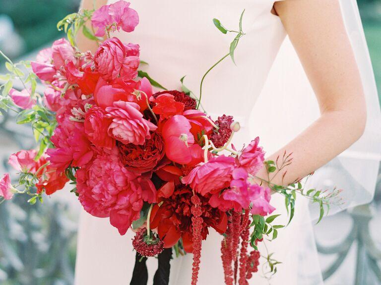 Bold monochromatic bouquet 2019 bouquet trends