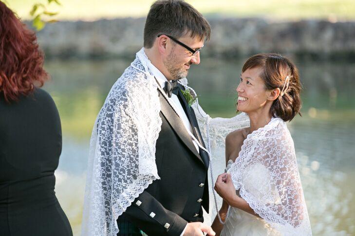 Filipino Wedding Traditions.Filipino Veil And Cord Tradition