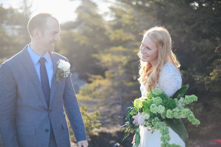 """""""My bouquet was all green because I wanted it to accent any bit of new plant growth that was happening in early May in Alaska,"""" Grace says. """"I also thought it would complement my ginger hair and ivory dress. I didn't even realize how nicely it complemented Clif's suit."""""""
