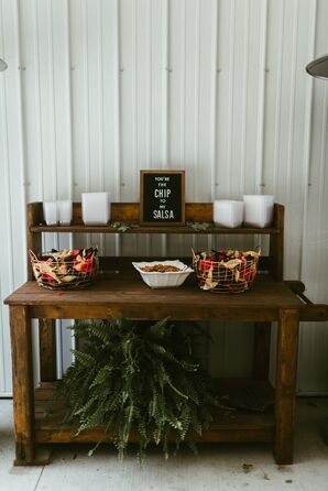 Rustic Wooden Reception Table Décor