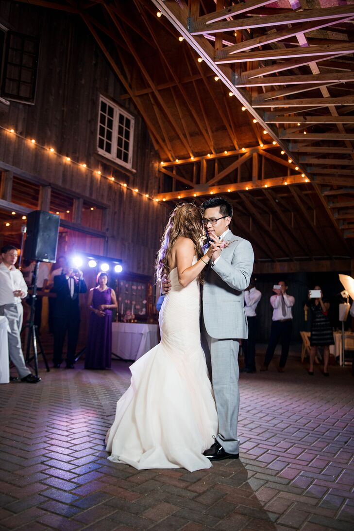 Chaumette Vineyard Barn First Dance