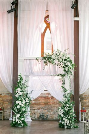 Green-and-White Altar Décor at Classic Garden Wedding in Wilmington, North Carolina