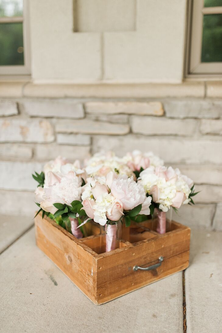 Blush Bridesmaid Bouquets with Roses