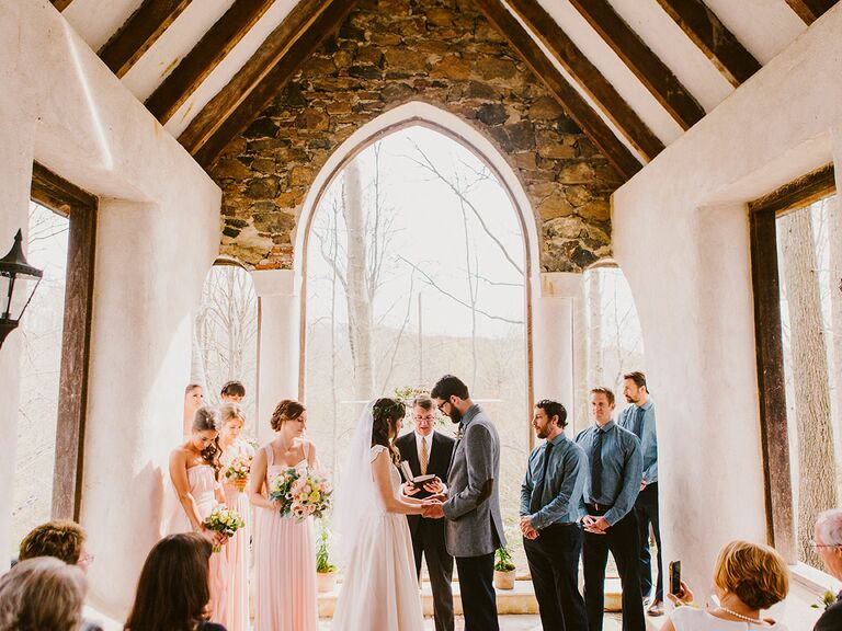 Traditional Wedding Ceremony.Should You Invite Your Officiant To The Wedding Reception