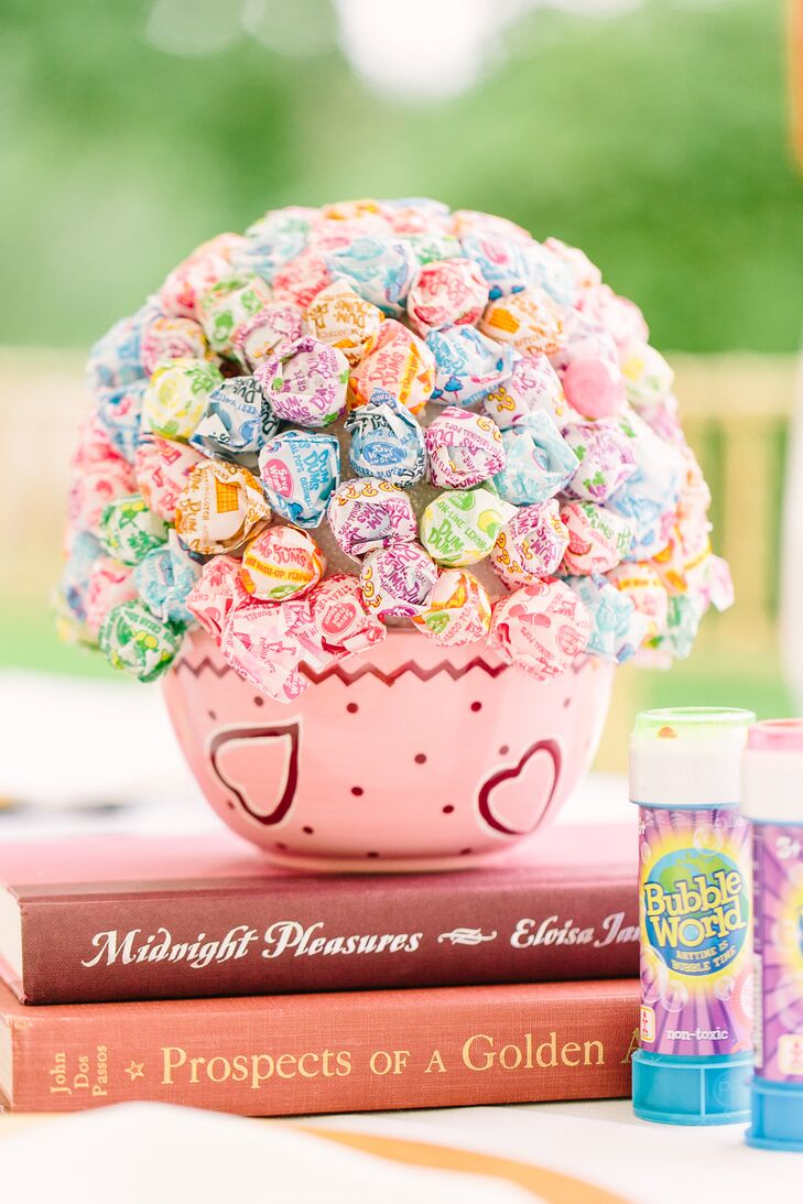 Bright Lollipop Favor Centerpieces