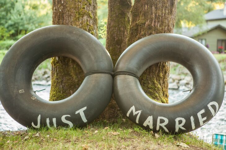 """Just Married"" Black Circular Water Tubes"