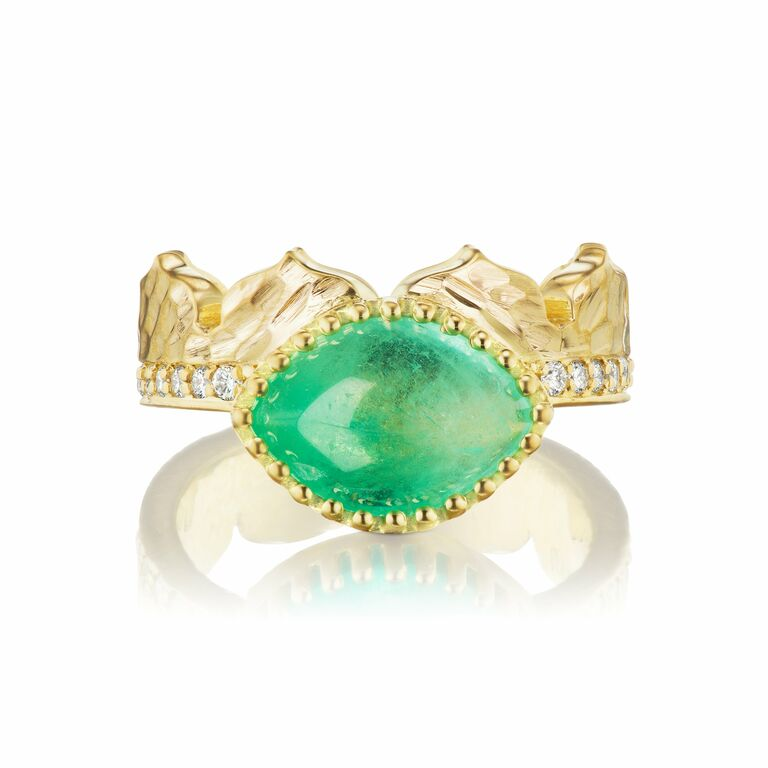 East-west marquise crown egnagement ring