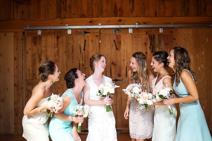 """Sara allowed her bridesmaids to choose their own dresses following a neutral color palette. """"We were going for a mismatched but unified look with the bridesmaids,"""" she says."""