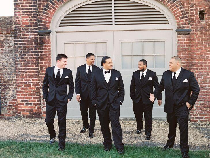 Jon's groomsmen wore black ties with their black tuxedos, while Jon wore a black bow tie to distinguish himself.