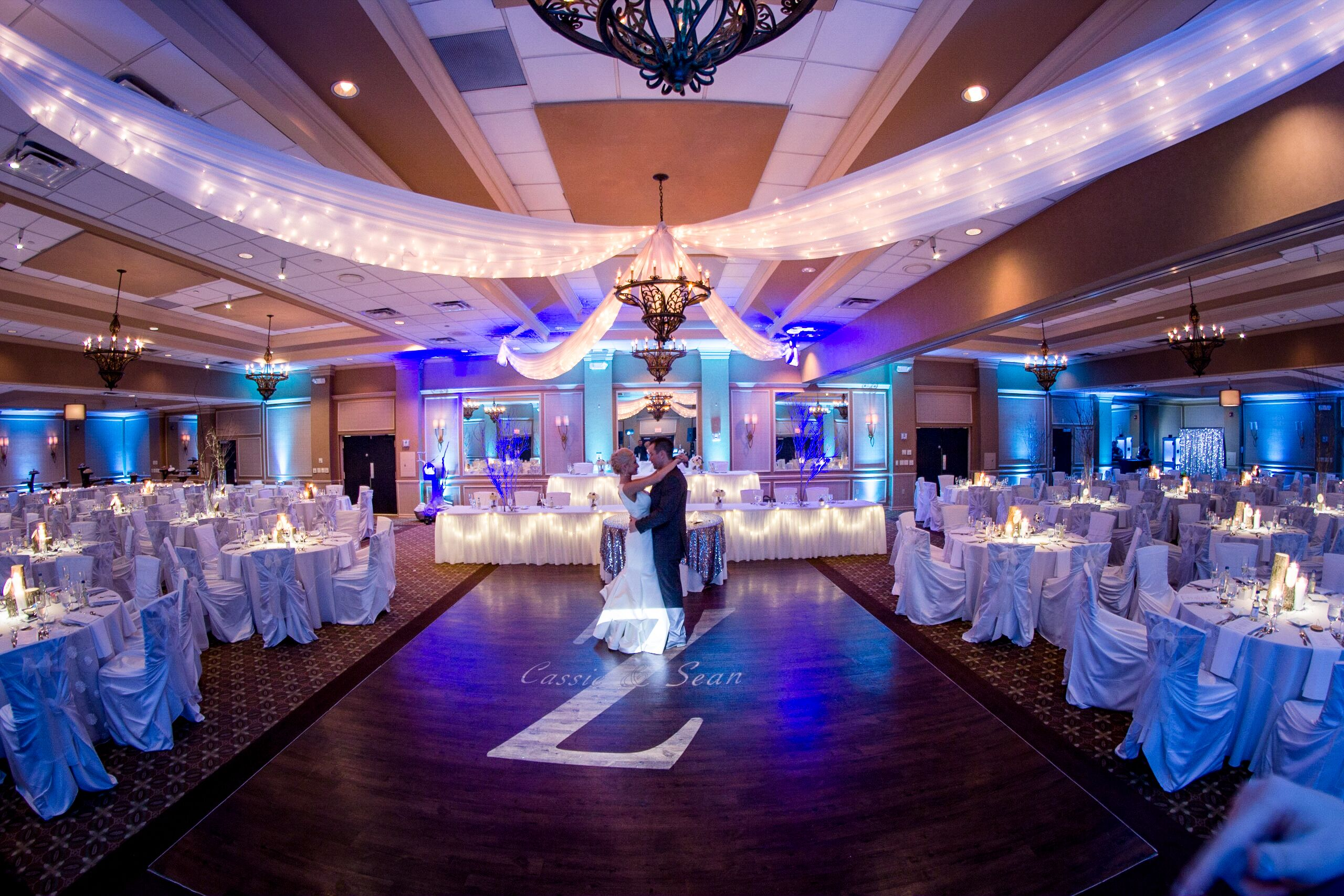 Doubletree Hotel Greentree Wedding: DoubleTree By Hilton Pittsburgh - Meadow Lands