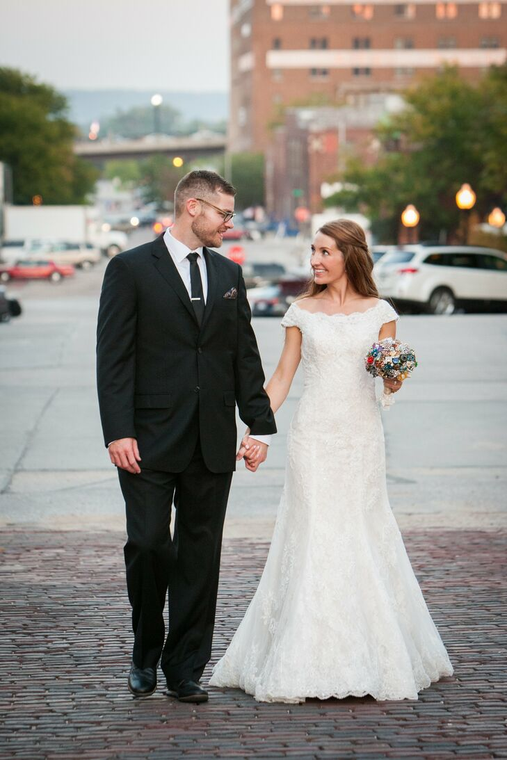 Laura Donovan (29 and a nurse practitioner) and Scott Wissing (28 and a health teacher and high school basketball coach) met in the summer of 2011 at